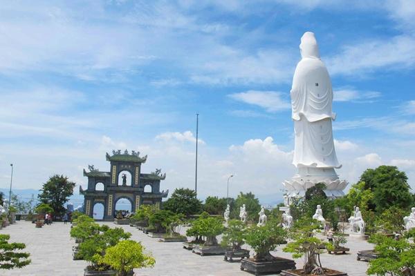 Chùa Linh Ứng Bãi Bụt City tour Đà Nẵng 1 ngày