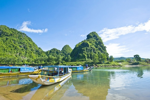 Sông son - Động Phong Nha - Quảng Bình Tour Huế Phong Nha 2 ngày 1 đêm