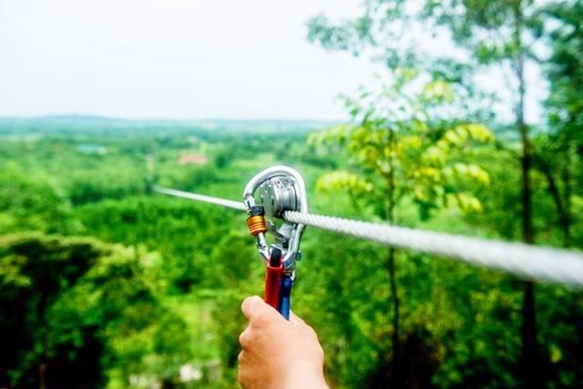 Tour suối nước khoáng Thanh Tân 1 ngày Tour suối nước khoáng Thanh Tân 1 ngày