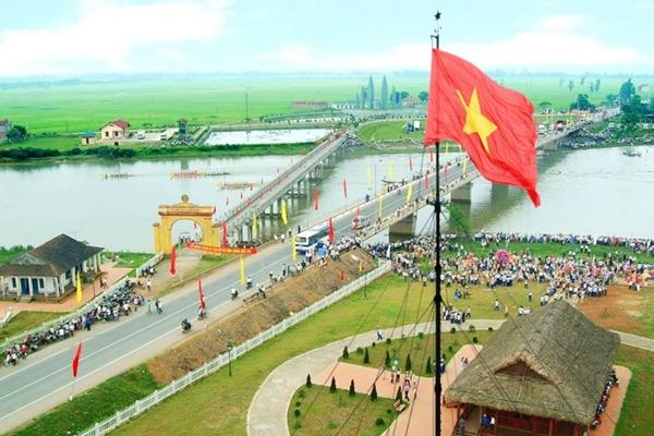 Cầu Hiền Lương - Sông Bến Hải Tour Phong Nha từ Huế