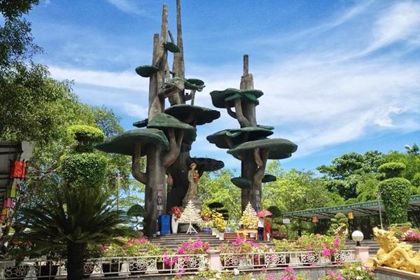 thanh-dia-la-vang Tour Phong Nha từ Huế