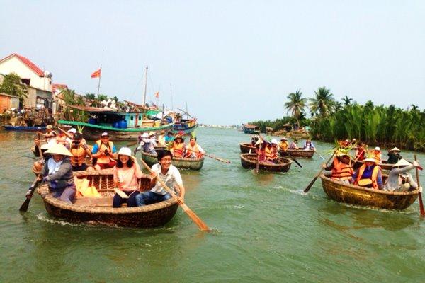 thuyen-thung-hoi-an tour rừng dừa bảy mẫu