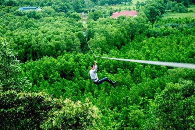 zipline-at-alba-thanh-tan-hot-springs Kinh nghiệm du lịch Huế mới nhất