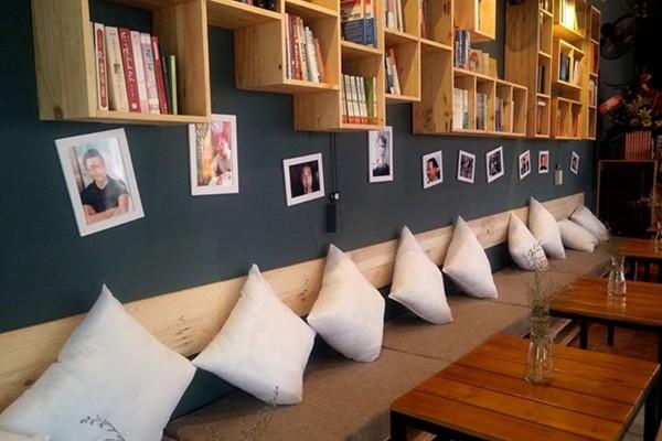 Thư giản đọc sách cùng Mọt Cafe Huế Mọt Cafe – Book & Audio Huế