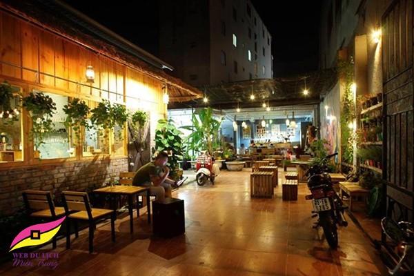 Phượt Cafe Huế nhìn vào ban đêm cafe phượt huế