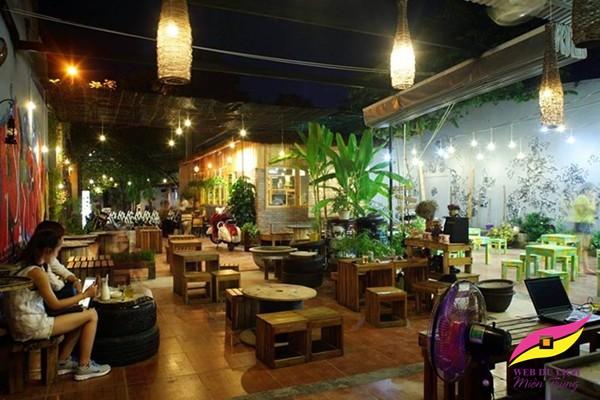 Phượt Cafe thu hút rất nhiều bạn trẻ đam mê du lịch cafe phượt huế