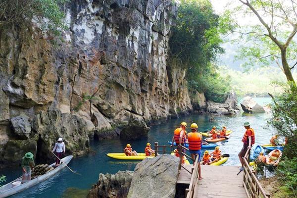 Chèo thuyền Kayak Sông Chày, Hang Tối Tour động Thiên Đường - Zipline Sông Chày - Hang Tối