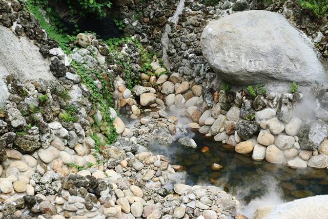 Công viên suối khoáng nóng Thần Tài Tour suối khoáng núi Thần Tài - Đà Nẵng