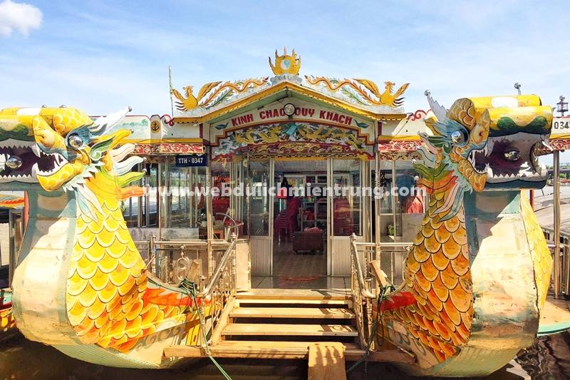 Dịch vụ đặt ăn tối trên thuyền rồng Sông Hương