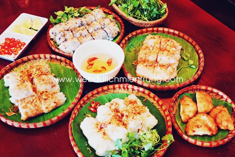 Dịch vụ đặt ăn tối trên thuyền rồng Sông Hương Dịch vụ đặt ăn tối trên thuyền rồng Sông Hương