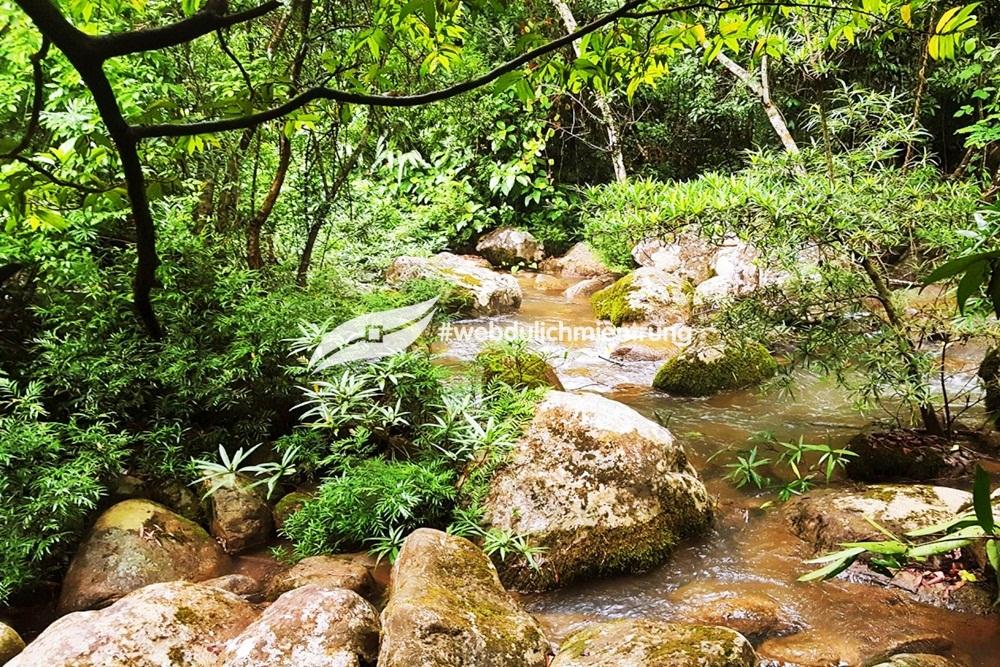 Tour huế suối nước moọc 1 ngày Tour Huế - Suối nước Moọc 1 ngày